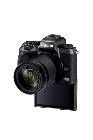 Eos M5 Ef M18 150is Stm 04