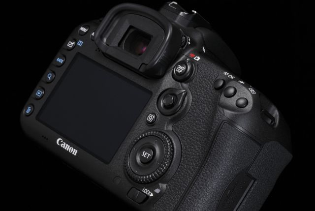 Canon EOS 7D Mark II 0016