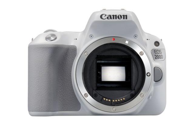 Canon EOS 200D 0011
